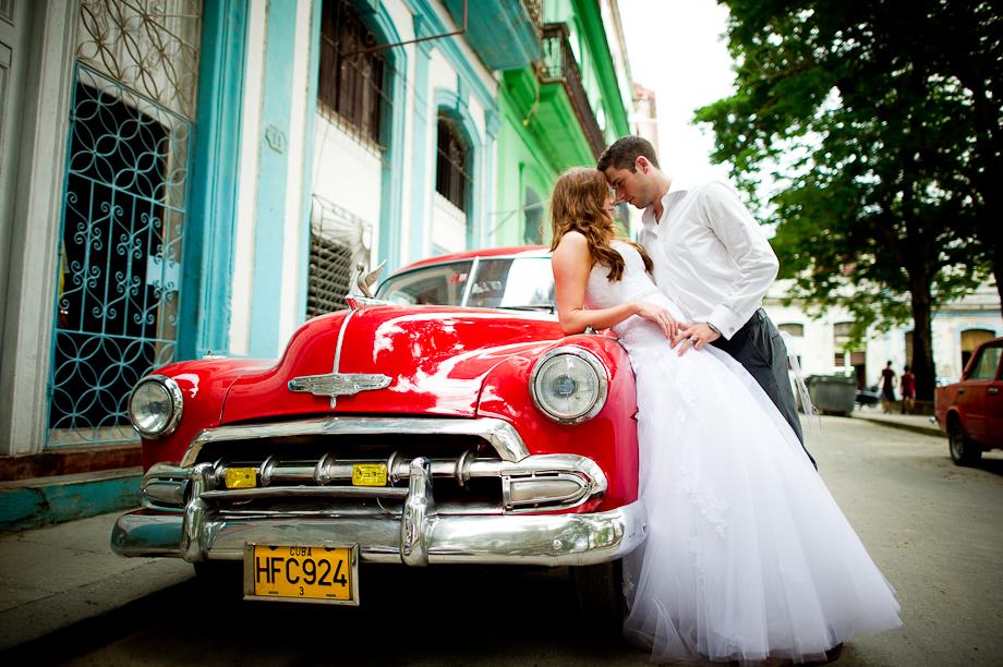 Trash-the-dress-Cuba-Cuba-Wedding-Luxury-Destination-Wedding-36